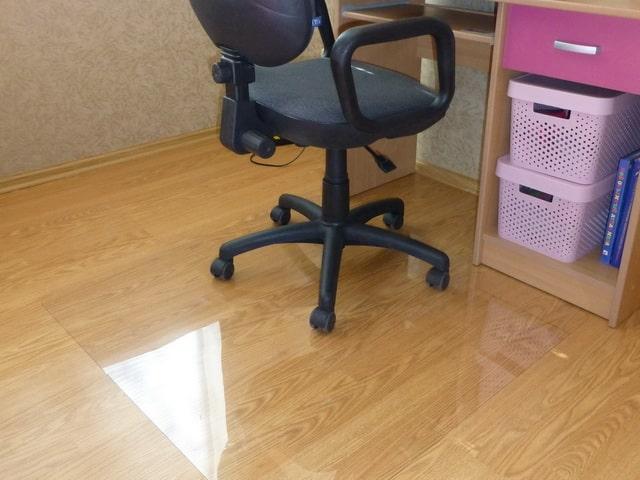 Защитные коврики под стул